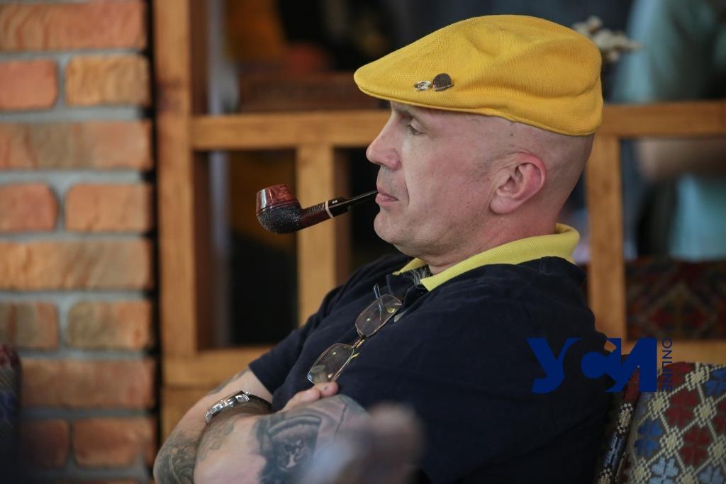 В Одессе состоялся чемпионат по курению трубки (фото, аудио) «фото»
