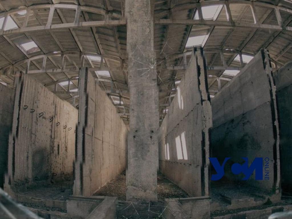 Постапокалипсис на Центролите: одесситка создала видео-арт о заброшенном заводе (видео) «фото»