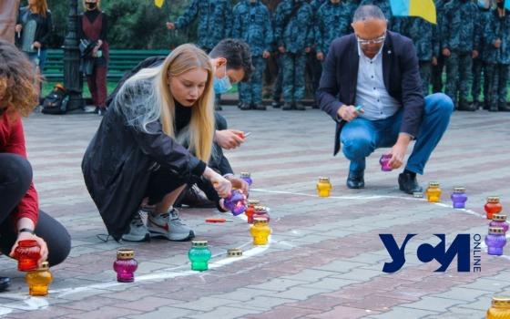 День депортации крымских татар: в Одессе выложили лампадки в формеКрыма (фото) «фото»