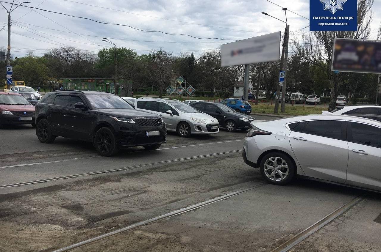 В ответе за пробки: полиция взялась за исполнителей ремонтных работ на поселке Котовского (фото) «фото»
