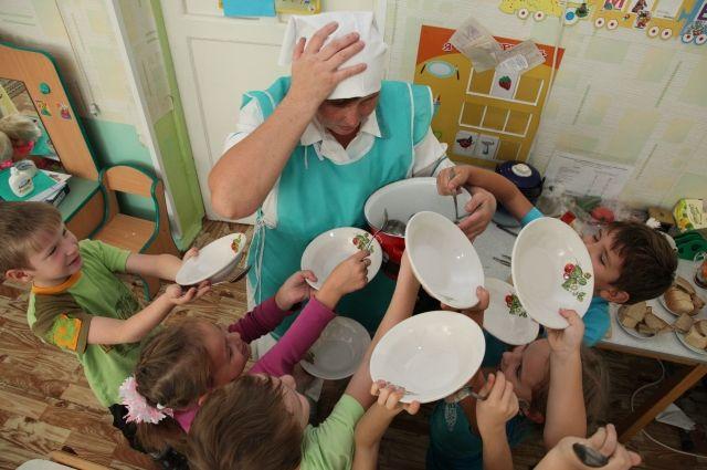 Некоторые громады Одесской области выделяют до 10 гривен на питание детей в детсадах «фото»