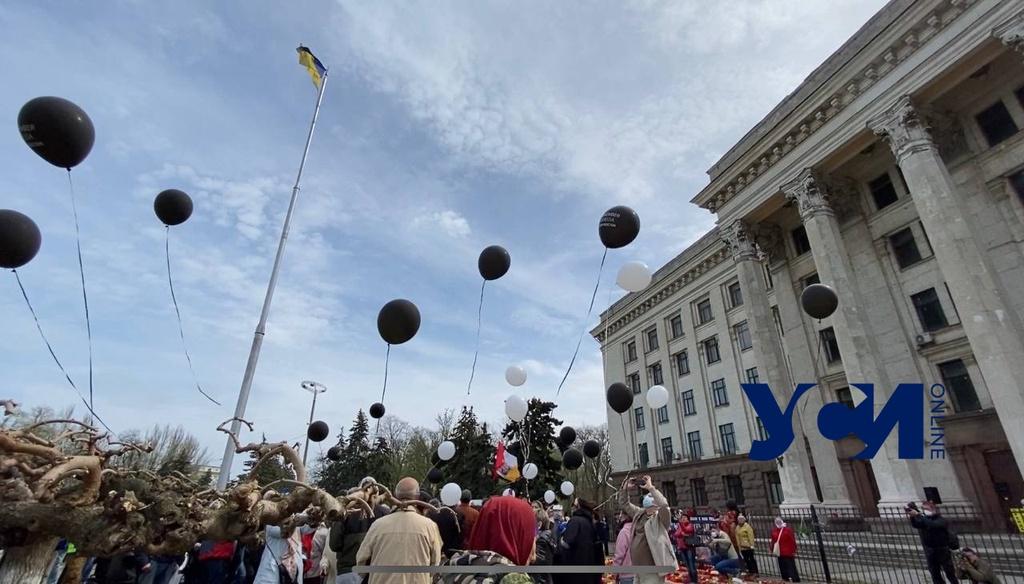 На Куликово поле пустили группу с черными шарами (фото, видео) ОБНОВЛЕНО «фото»