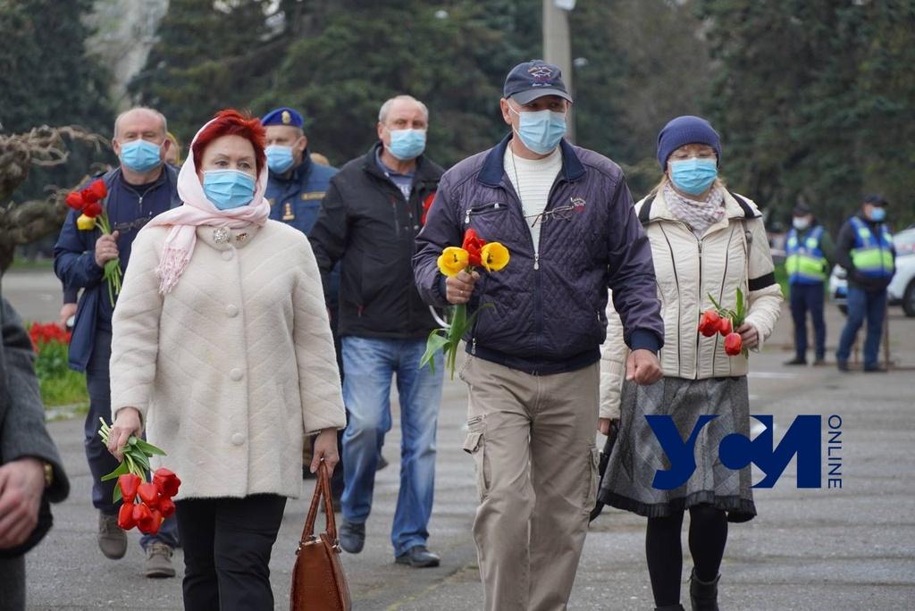 Годовщина трагедии: на Куликовом поле — оцепление и раздают маски (фото) ОБНОВЛЯЕТСЯ «фото»