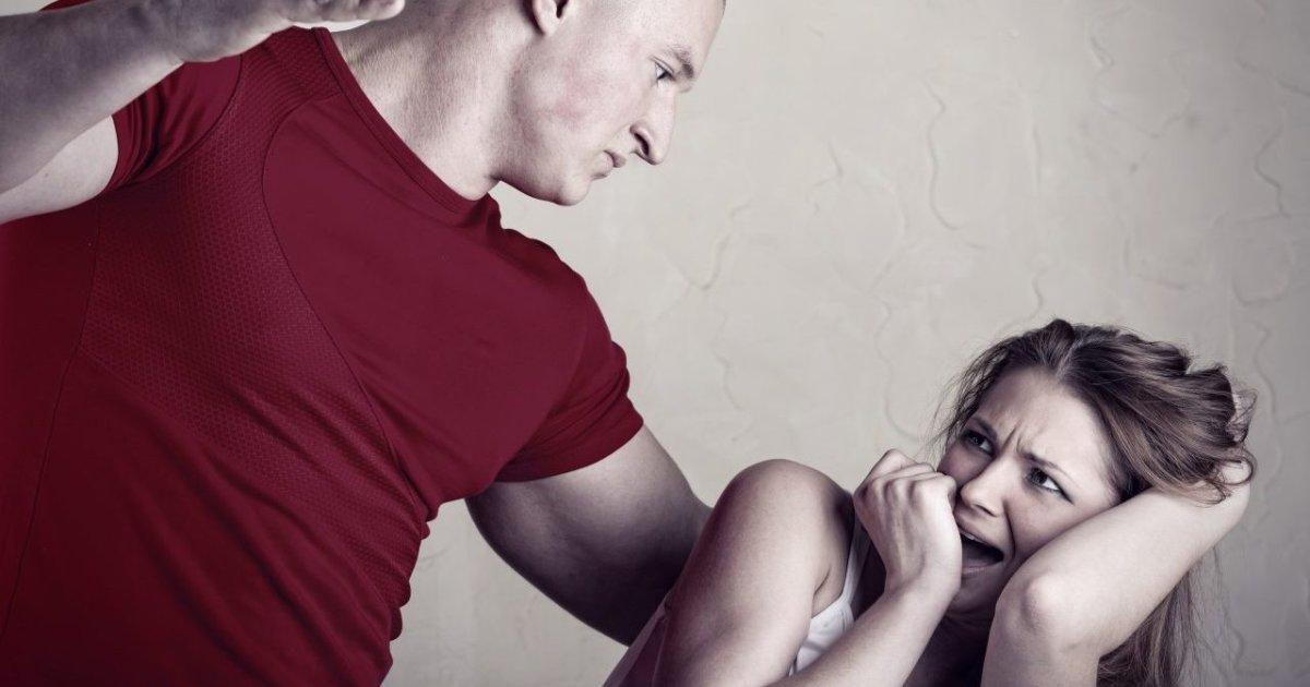 В Приморском парень ударил женщину в живот – ей пришлось удалить почку «фото»
