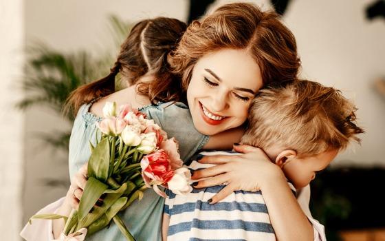 «Я столько не успела ей сказать», — одесситы о Дне матери (видео) «фото»