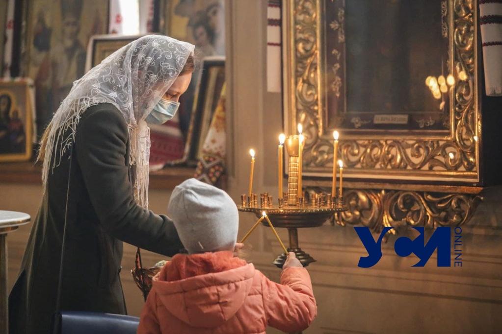 Пасха в храме на Пастера: две службы разных священников (фото) «фото»