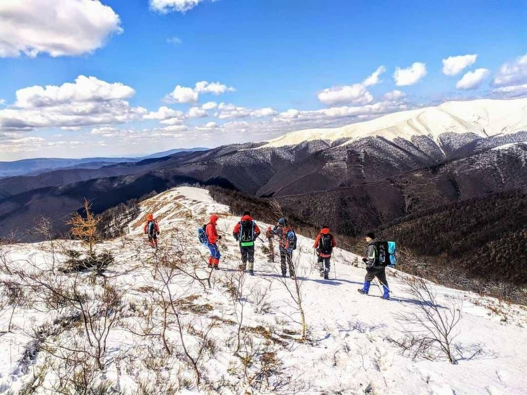 Для безопасности: туристов просят регистрироваться перед походом в горы (аудио) «фото»