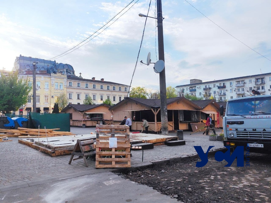 Ярмарка на Дерибасовской: идет снос торговых павильонов (фото) «фото»