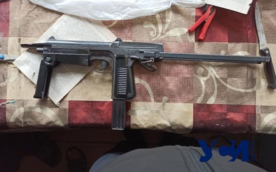 Одессит нашел на свалке пистолет-пулемет: внезапно объявились владельцы оружия (фото) «фото»