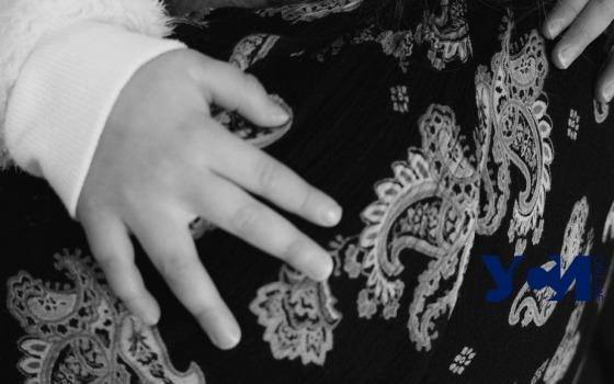 Бил и обещал убить: история одесситки, сбежавшей с 6 детьми от мужа-тирана (фото, аудио) «фото»