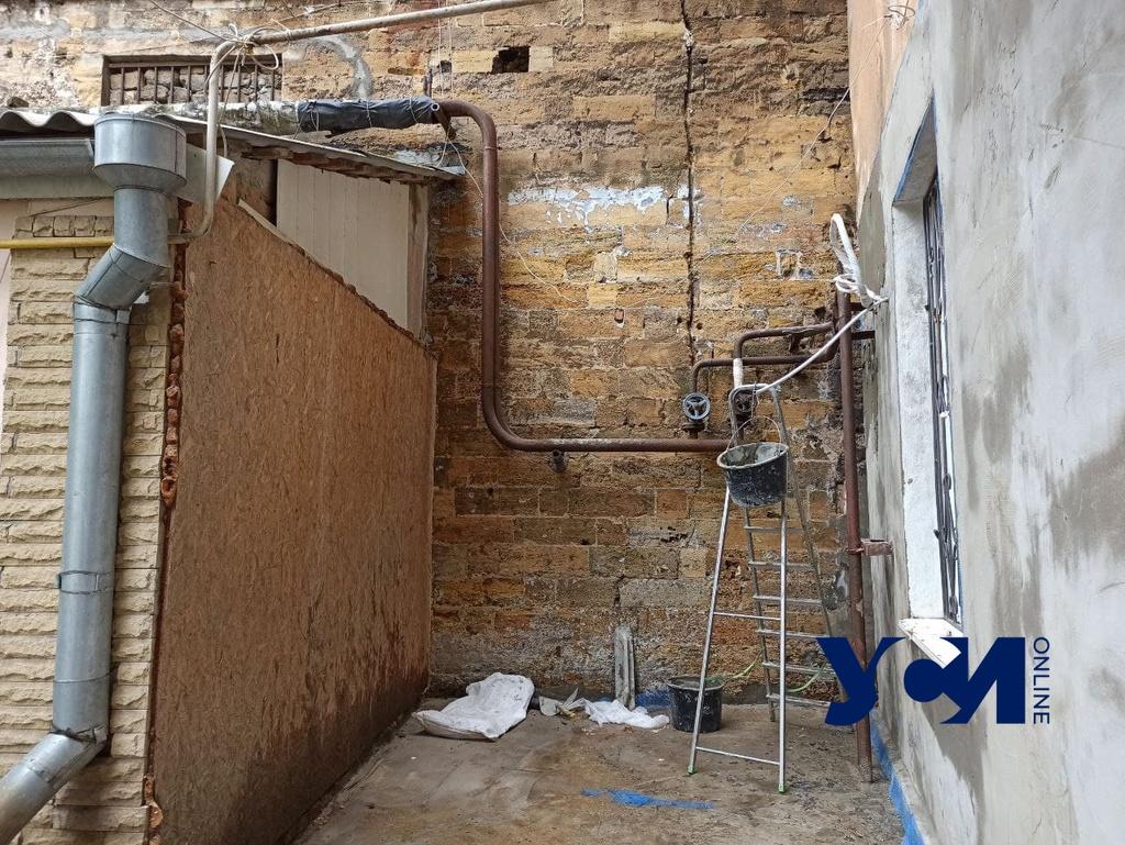 На Пастера второй раз за два дня прорвало трубу и затопило двор (фото, видео) «фото»