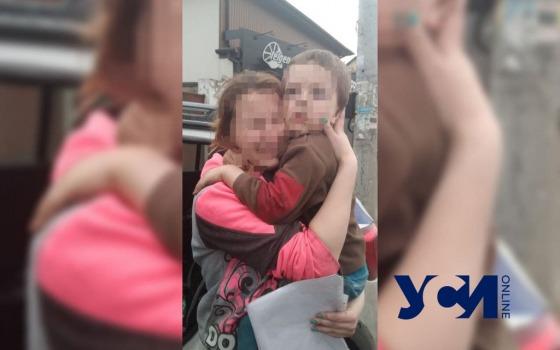 Хорошо спрятался: одесские патрульные вернули шестилетнего ребенка маме (фото) «фото»