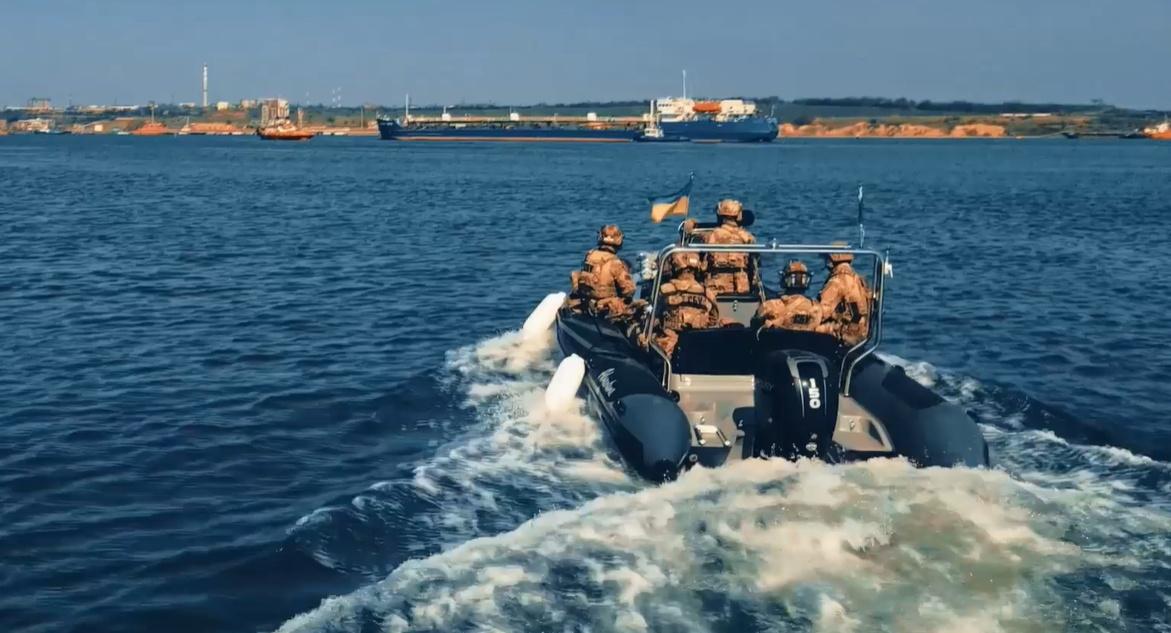 В Черном море СБУ «освободила» судно от террористов (видео) «фото»