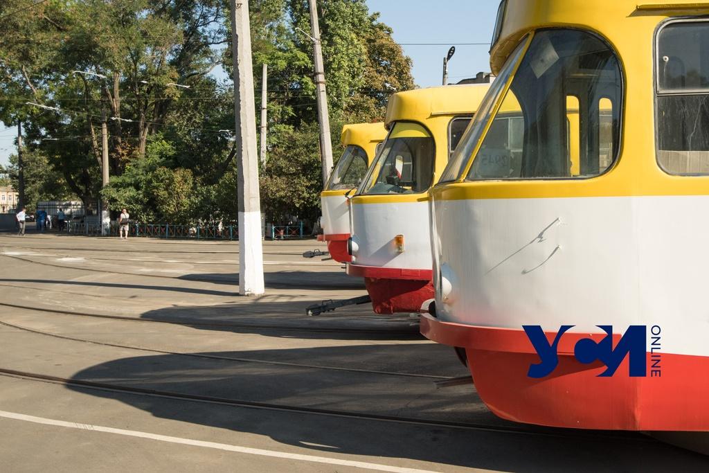 В Одессе снова ходит 18 трамвай, но вагонов — всего три «фото»
