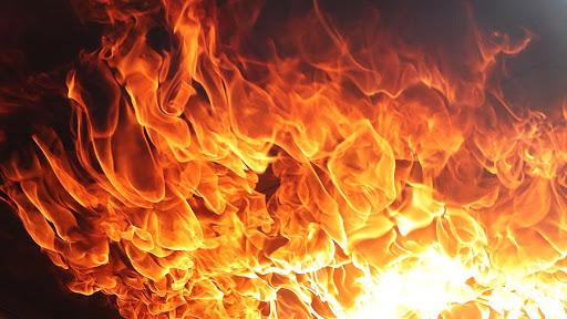 Утром на поселке Котовского тушили пожар в 16-этажке «фото»
