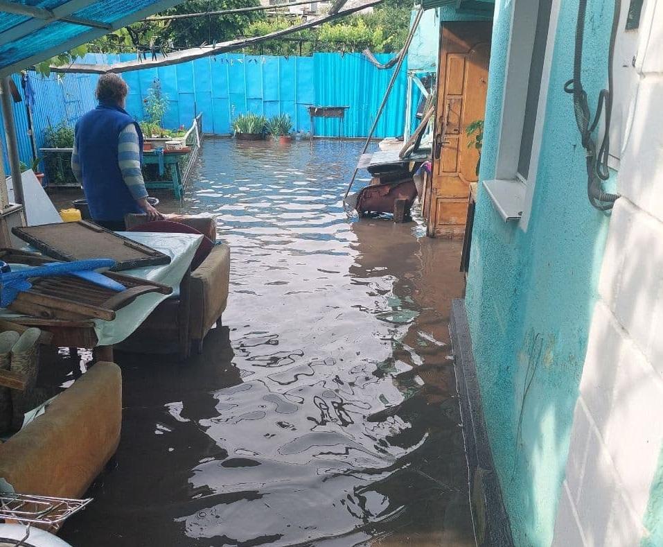 В Одесской области из-за сильного дождя затапливает частные дома (фото, видео) «фото»