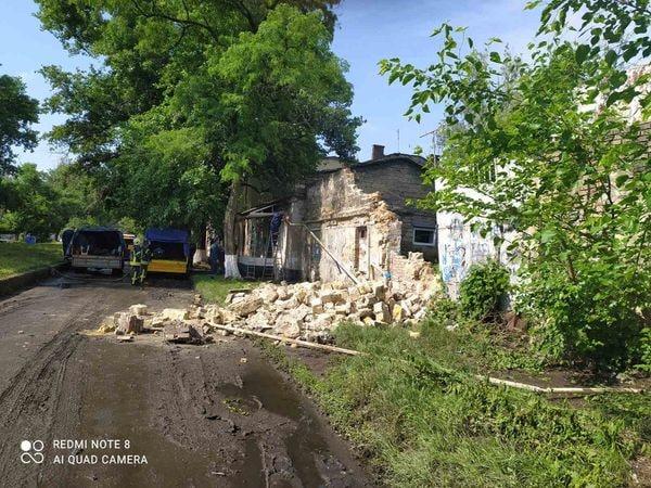 На Пересыпи рухнула стена: соседний дом остался без газа (фото) «фото»