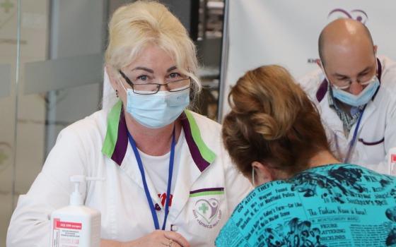 За выходные в Одесской области вакцинировали более 2,5 тысяч человек (фото) «фото»