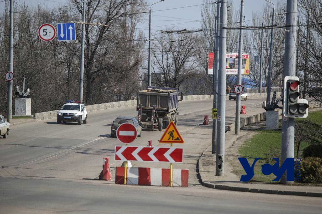 Одесский суд обязал изменить дорожные знаки у Ивановского моста «фото»