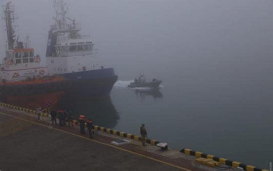 Туман с моря: в Одессе ограничили работу порта «фото»