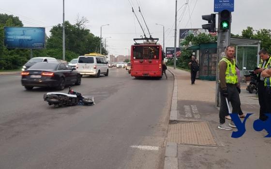В Одессе водитель мопеда сбил велосипедиста: оба пострадали (фото) «фото»