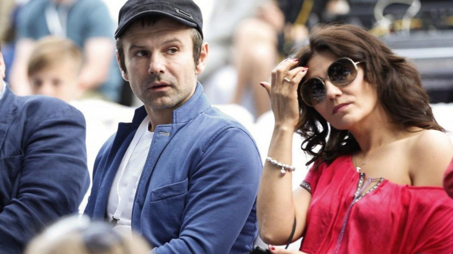 После 20 лет брака Вакарчук объявил о разводе с женой «фото»