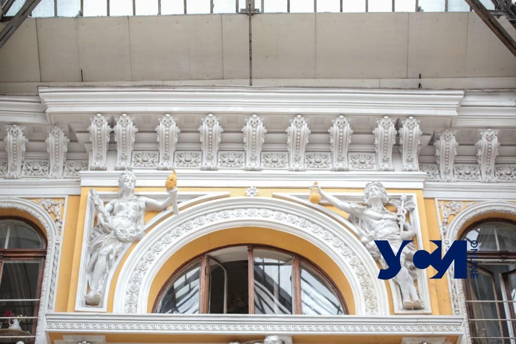 Над Пассажем надстроят мансарду на 2500 квадратов «фото»
