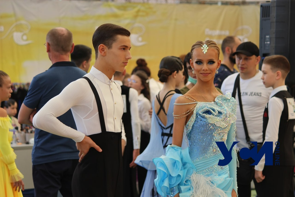 Вальс, самба, пасодобль: в Одессе стартовал Всеукраинский турнир по спортивным бальным танцам (фото) «фото»