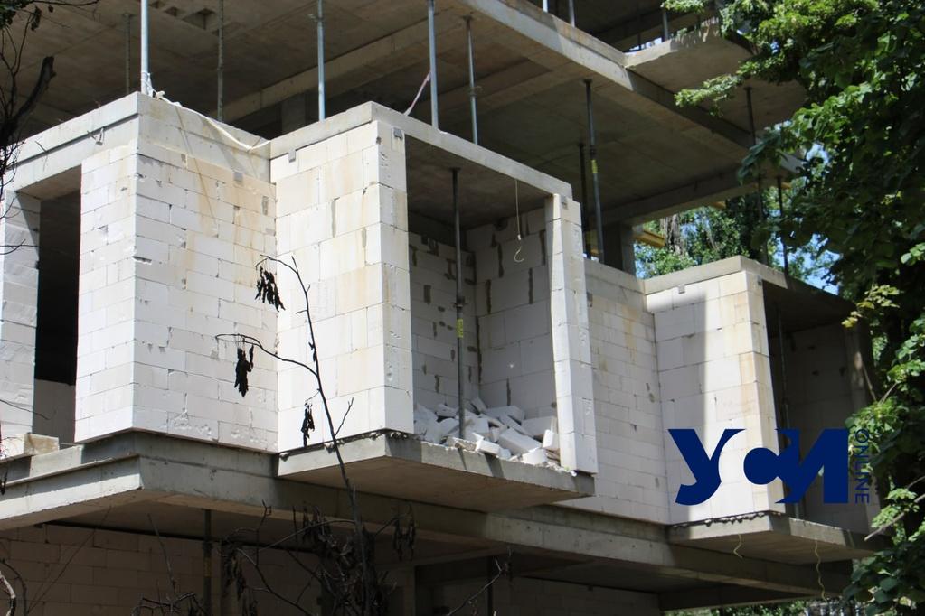 У ЖК «Сокол» на Черемушках рухнули строительные леса (фото) «фото»