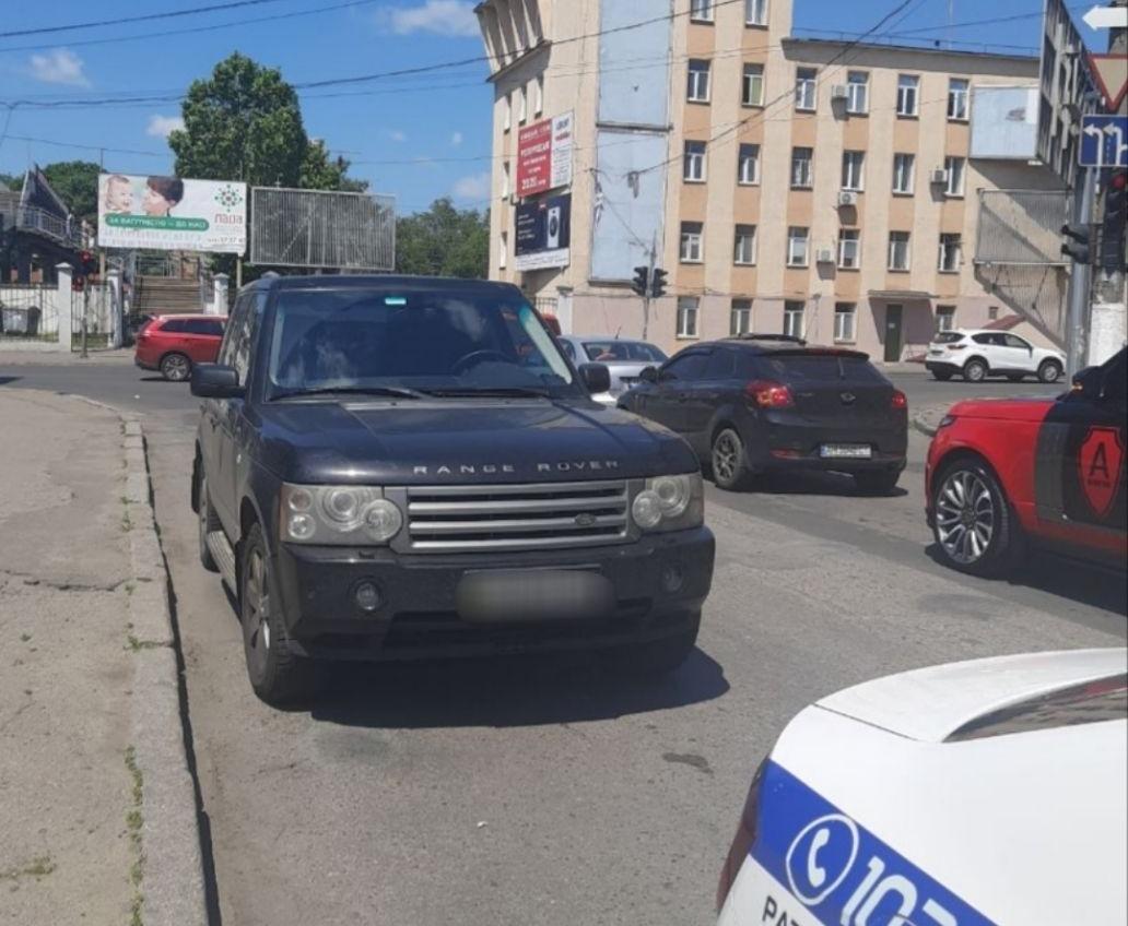 Одесский бизнесмен сбил ребенка и предложил позвонить главврачу областной «чтобы ее приняли» (видео) «фото»