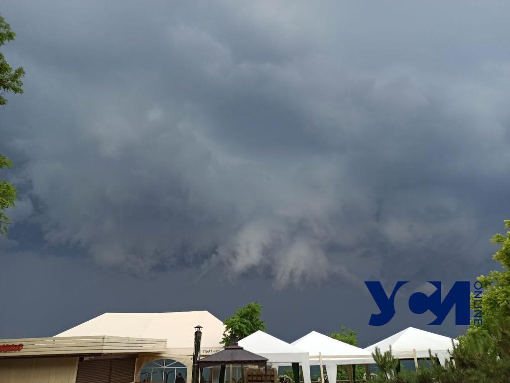 В четверг по Одессе объявили штормовое предупреждение «фото»