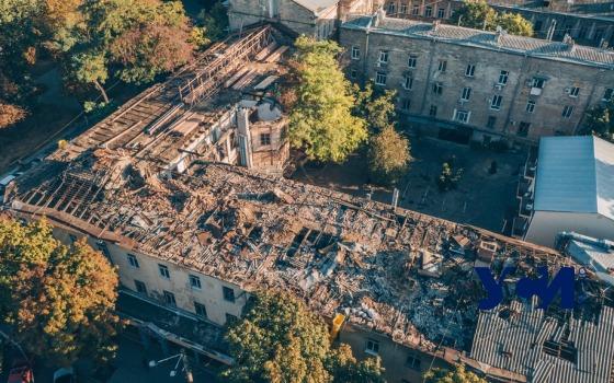 Город выделит еще 2 миллиона гривен на ремонт сгоревшего дома-памятника архитектуры на Бунина «фото»