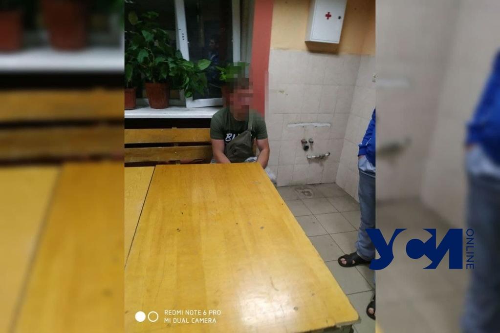 На поселке Котовского задержали соседа-педофила «фото»