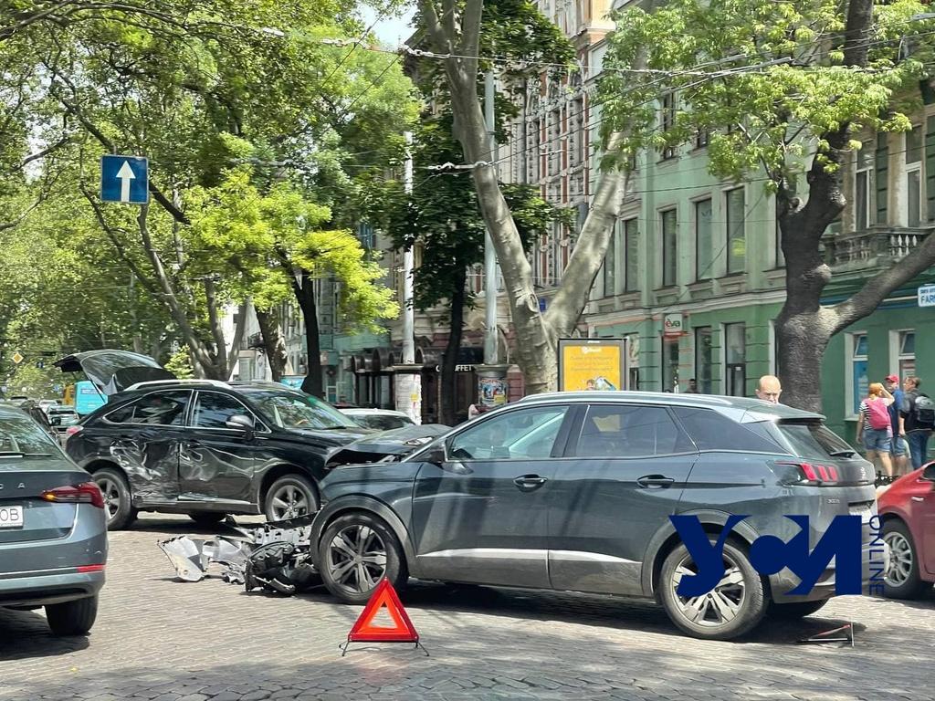 Авария на Пушкинской заблокировала движение (фото) «фото»