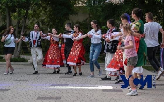Хороводы и фолк: в Одессе проходит международный фестиваль (фото) «фото»