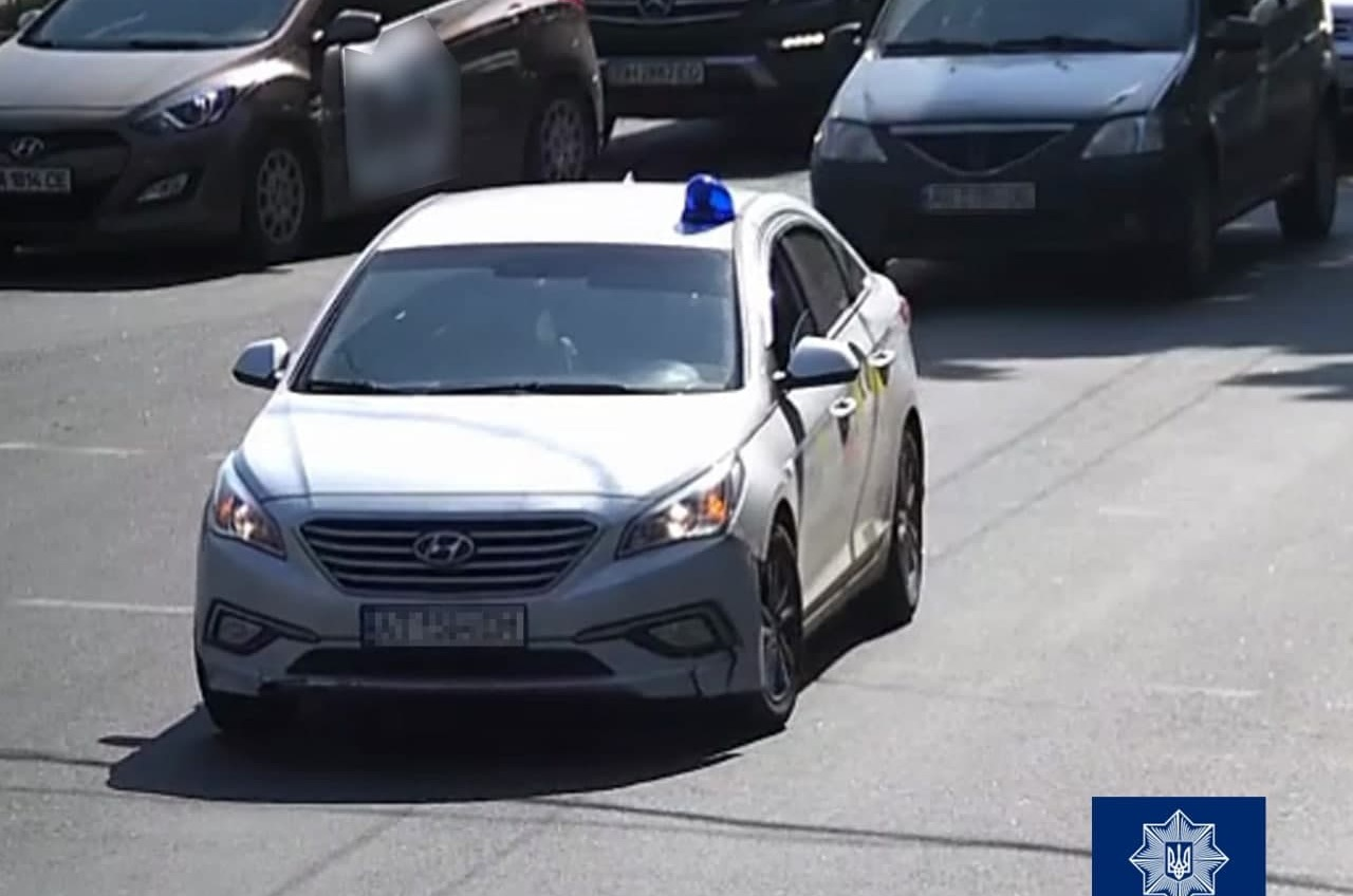 Одесский таксист самовольно установил на машину мигалку (фото) «фото»