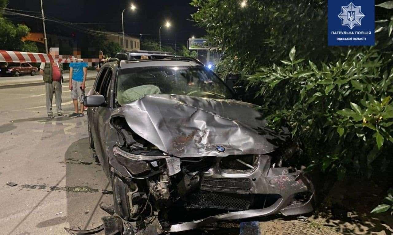 Ночное ДТП на Черемушках: трое пострадавших в больнице (фото) «фото»