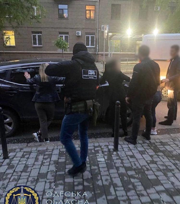 Полицейские-сутенеры: в Одессе правоохранителей будут судить за организацию публичного дома «фото»