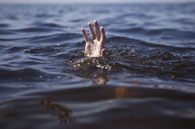 В Затоке погиб в море турист из Черкасской области: его сына еще ищут «фото»