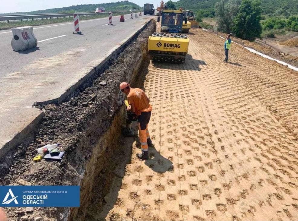 Дорожники назвали сроки ликвидации оползня на трассе Одесса – Киев (фото, аудио) «фото»