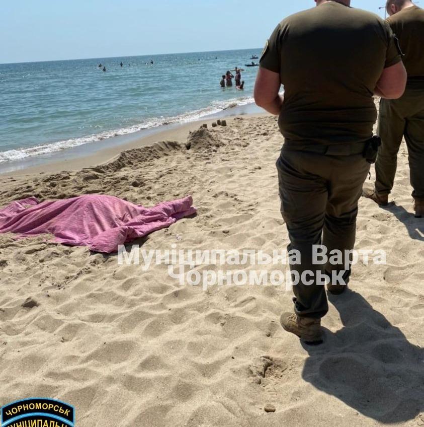 На пляже в Черноморске нашли труп (Обновлено) «фото»
