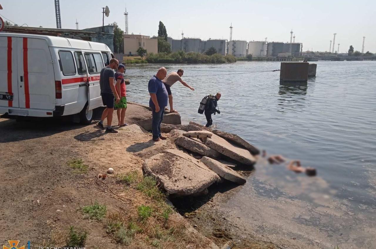 Пытались переплыть: в Одесской области за сутки утонули два человека «фото»
