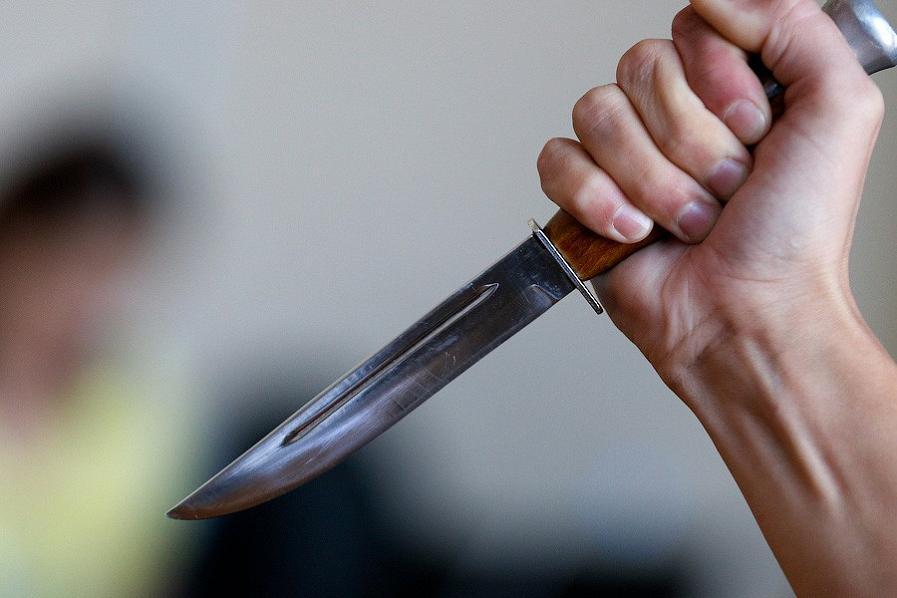 Одесситка пырнула сожителя ножом из-за устроенного им скандала «фото»