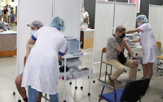 Рекорд: почти 9 тысяч одесситов вакцинировались на этих выходных (фото) «фото»