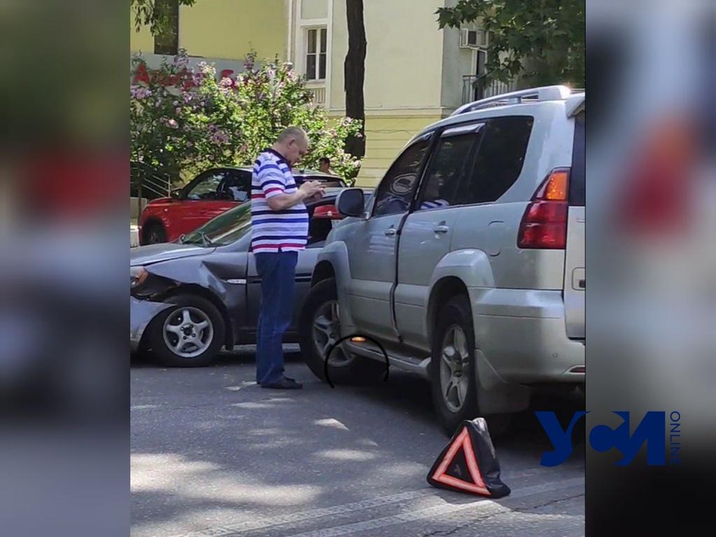 На проспекте Шевченко авария: движение затруднено (видео) «фото»