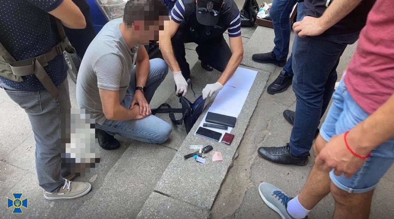 «Индульгенция на загрязнение воздуха»: СБУ задержала двух экоинспекторов из Одесской области (фото) «фото»