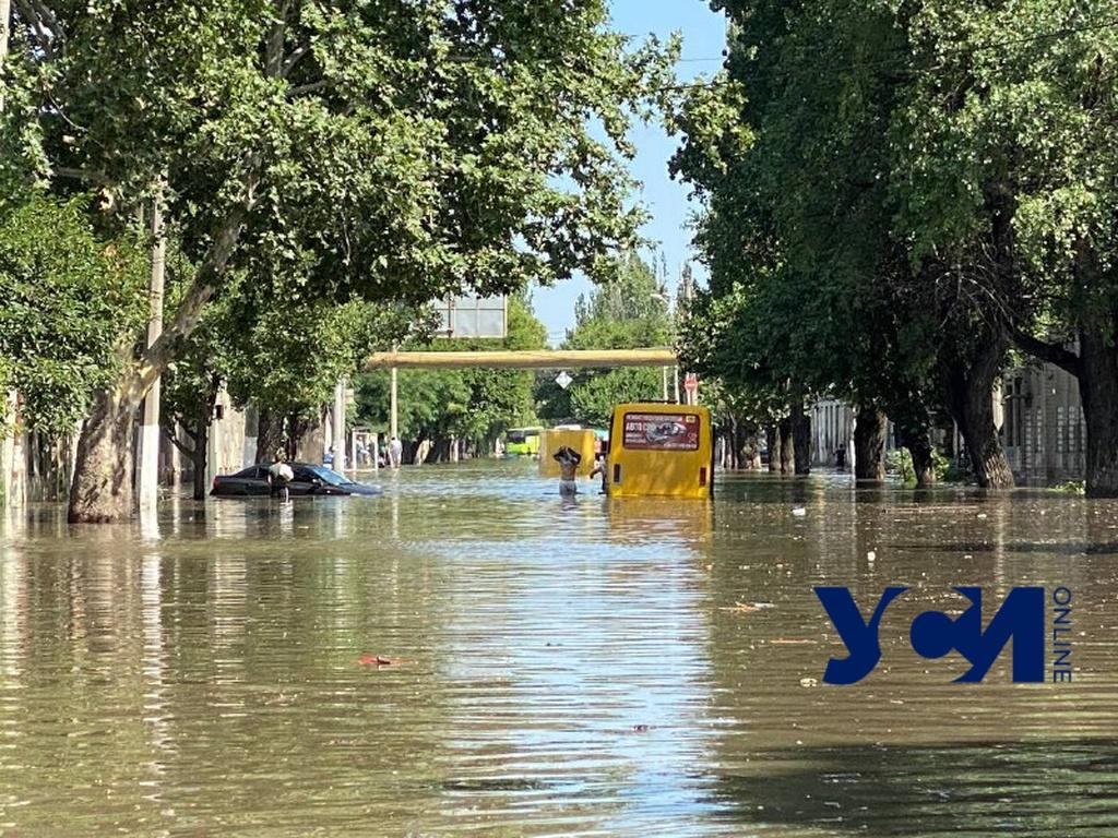 Стихийное бедствие: как Одесса за одну ночь под водой оказалась (фото, видео) «фото»