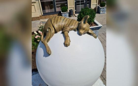 На шаре Ланжерона появился очередной «одесский кот» Изюм (фото) «фото»