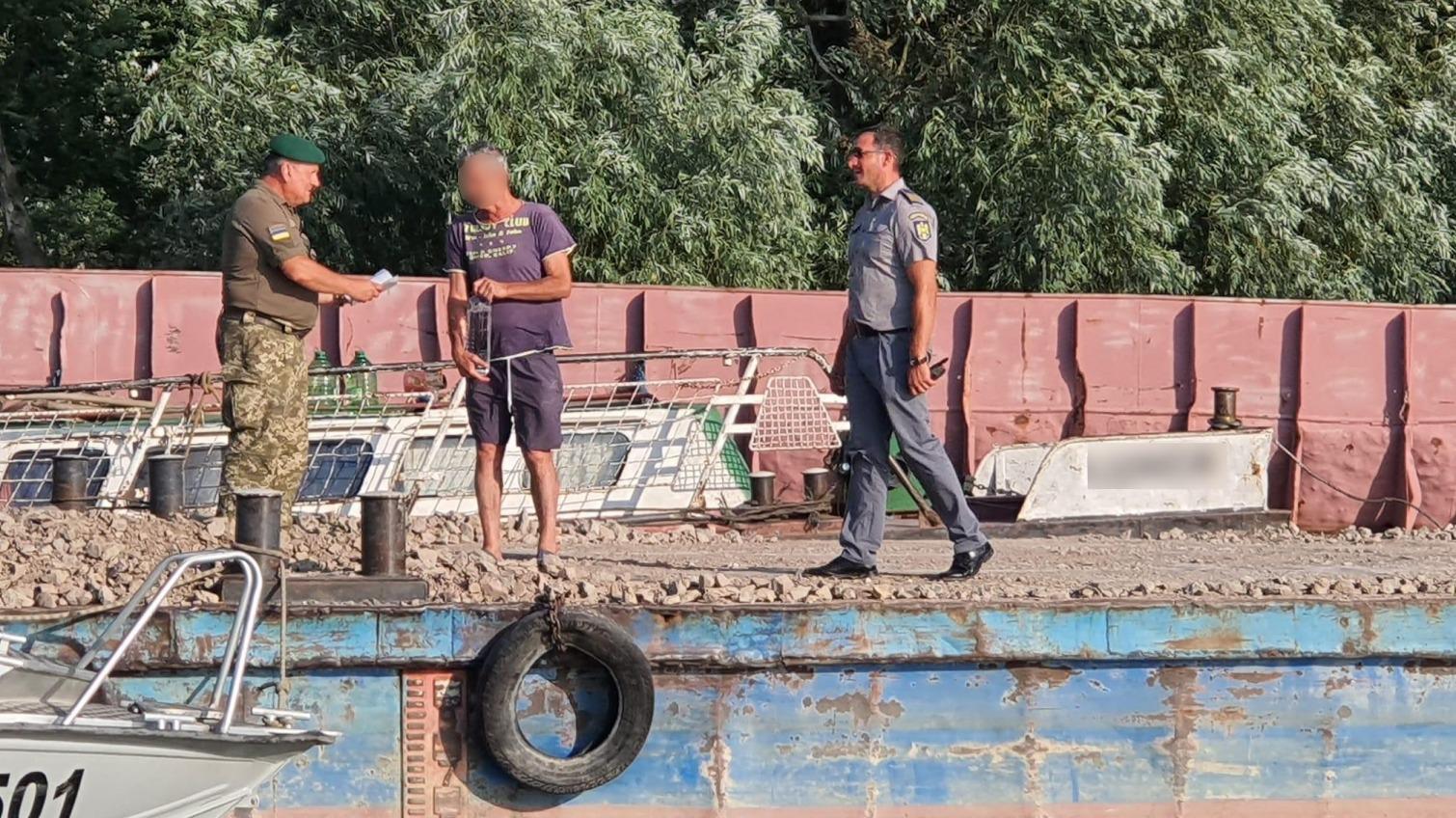 Перепутали устья: румыны незаконно заплыли в Украину (фото) «фото»