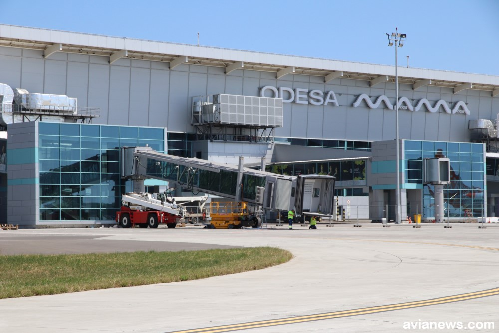 В Одесском аэропорту установили первый телетрап из четырех (фото) «фото»